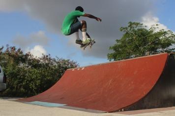 skateboarder-898336_640